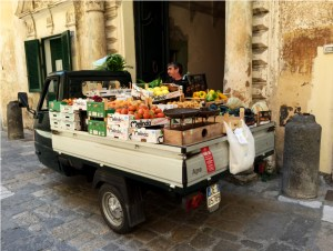 Gallipoli fruit vendor photo by Margie Miklas