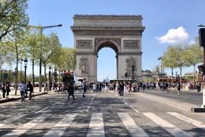 Arc di Triomphe Paris photo by Margie Miklas