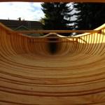 Das Holz schimmert golden