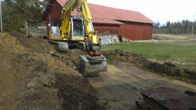 Ausheben der Grube für das Gewächshaus