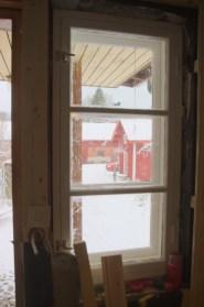 Das Fenster neben der Tür, von innen
