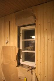 Das Fenster zum Garten hin, von innen