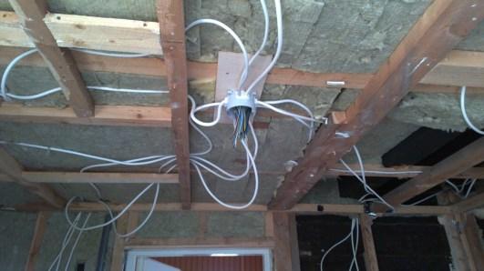 Die Verkabelung der neuen Stromleitungen