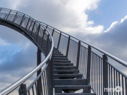 Stairway to heaven (Magic Mountain - Tiger and Turtle)
