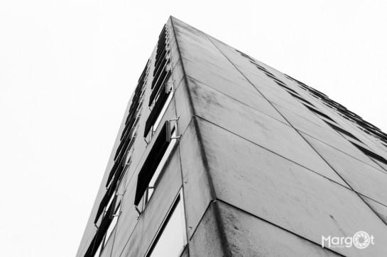 Bijlmerbajes - Toren, uiteindelijk toch met tralies er voor.