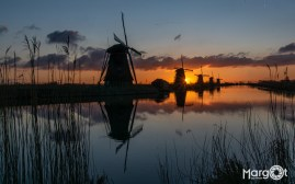 Zonsopgang in Kinderdijk (1/40 sec, F18, ISO 100, 24 mm)