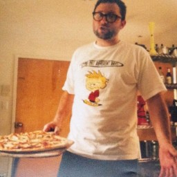 Up for auction: A night of pizza in your home with Adam—and other great pizza prizes