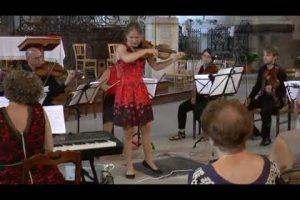 Adios Nonino performed by The Hague chamber ensemble Cathedral  van Nogins  sur la Seine.  Solo viool Emmy Storms  Cello Harriët Overbeek  Augustus 2017