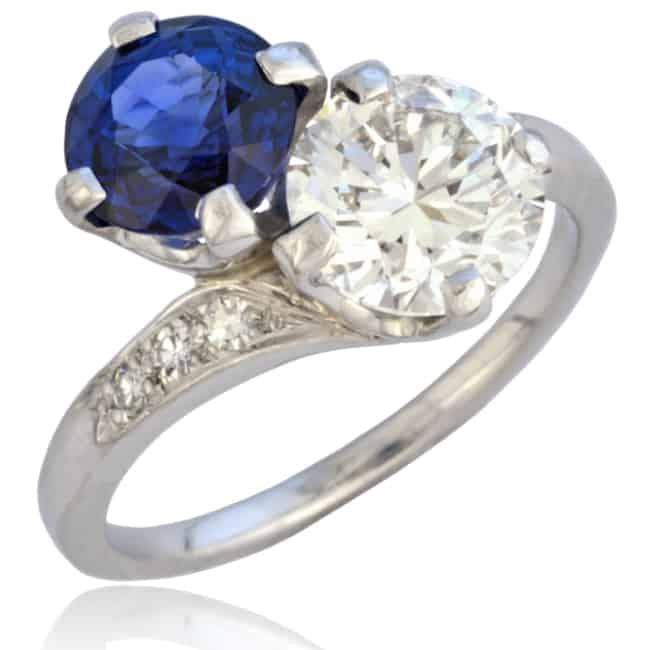 Vintage Toi et Moi Engagement Ring Image