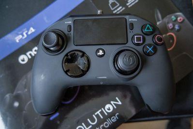 PlayStation-4-Revolution-Pro-Controller-Nacon-23