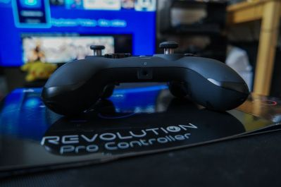 PlayStation-4-Revolution-Pro-Controller-Nacon-25