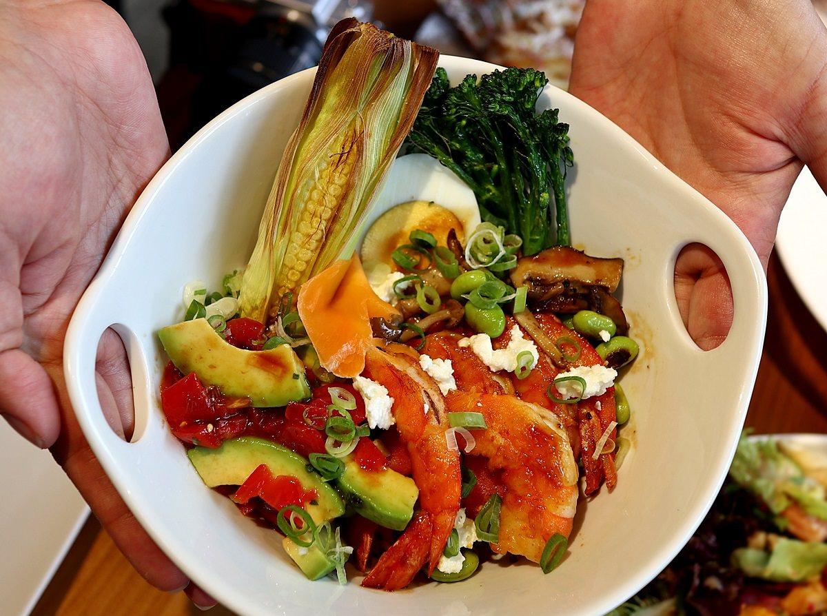 台中南屯美食,Bistro88 Light,從早午餐到宵夜全時段供餐,紅寶石紅藜飯
