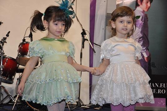 prezentare de moda copii