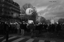 """Place de la Bastille du 16 décembre 2012, un dimanche à Paris mouvementé, mais il y était une bonne ambiance. Manifestation pour """"Mariage pour tous"""""""