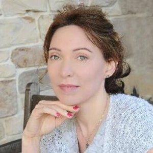 Friday's Amazing Author-Lori DeMonia