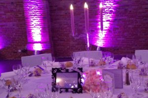 moderne-chic-decocation-mariage-table-chandelier
