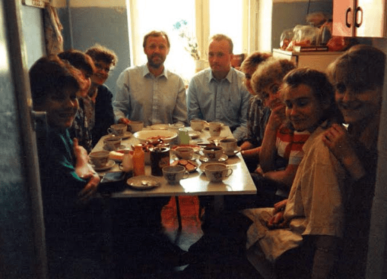 Hospitality practised in an apartment in Smolensk 1994