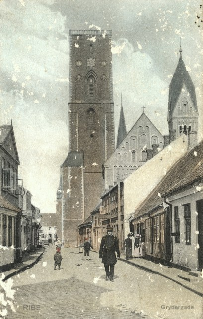 Old post card of Ribe and the cathedral