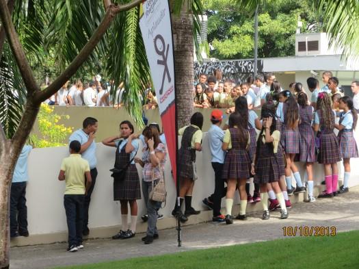 Estudiantes llegando al Festival de la Palabra 2013