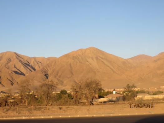 Una vista del desierto camino a la Universidad de Santo Tomás.