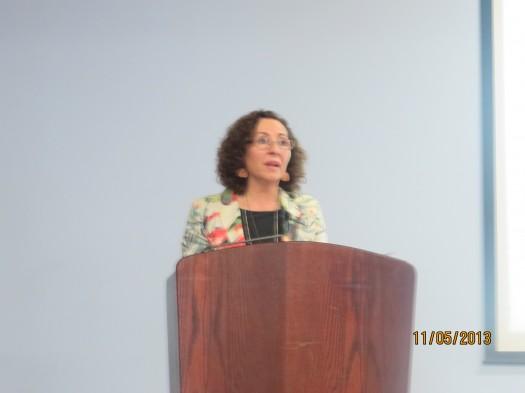 Unas palabras de bienvenida por la Decana Subrogante de la Facultad de Humanidades y Educación , la Sra. Pilar Franco Torrejón,