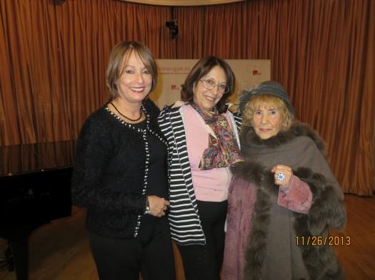 María Juliana Villafañe y las escritoras Socorro Mármol Brís y Asunción Valgañón