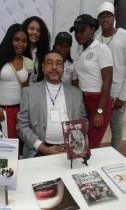 El escritor Héctor Aquiles González
