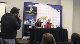 El escritor Enrique Jaramillo Levy presentando el libro Vidas ajenas ( Editorial UTP, 2017 ) de la escritora María Laura De Piano en el marco de la XIII Feria Internacional del Libro . Panamá.