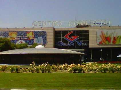 Centro Comercial Gran Vía de Hortaleza, florido y hermoso
