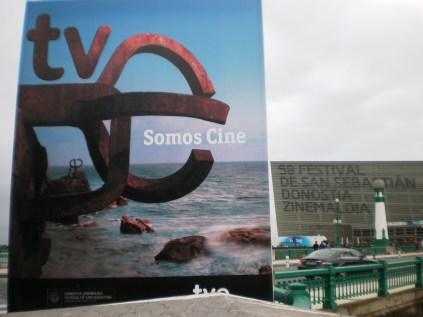 El Kursaal tras el cartel promo de TVE, buenísimo