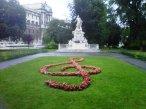 La clave de sol delante de Mozarte, jardines de Burggarten