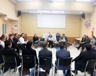 Fotos-de-la-reunión-de-la-hermana-María-Luisa-Piraquive-con-pastores-de-México-–-9-de-Abril-de-2018-2