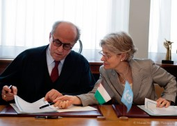 Signature de la DG avec la délégation de la Palestine