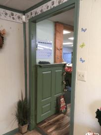 Love me a Dutch door.