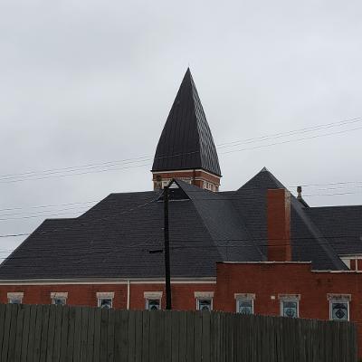 No doors, but whatta steeple!