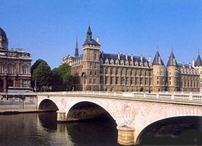 La-Conciergerie-el-palacio-real-más-antiguo-de-París