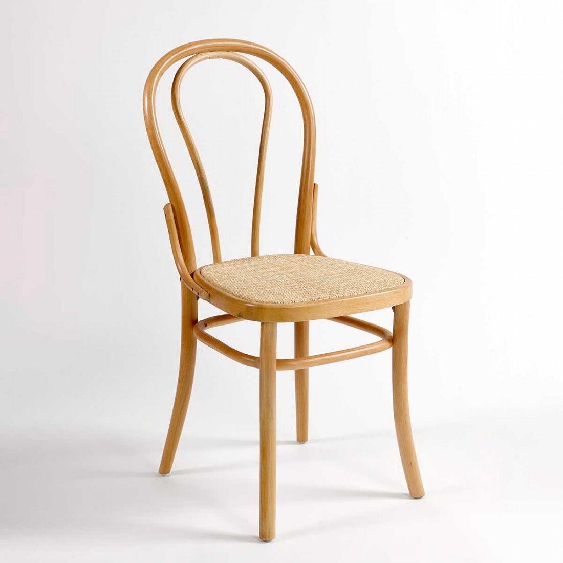 silla-de-madera-color-natural-y-ratan-natural