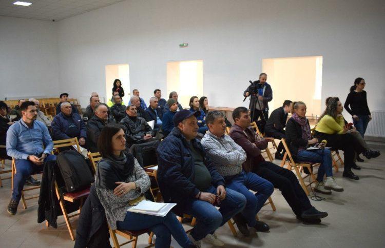 Bloggeri și jurnaliști craioveni prezenți împreună cu localnici la evenimentul de încheiere al proiectului H2O Water la Mischii