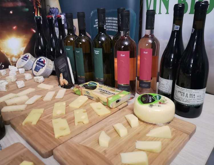 Combinațiile serii: Vinuri La Săpata + Brânzeturi Delaco