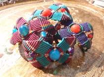 Macramé-Cavandoli bracelet with semi-precious beads