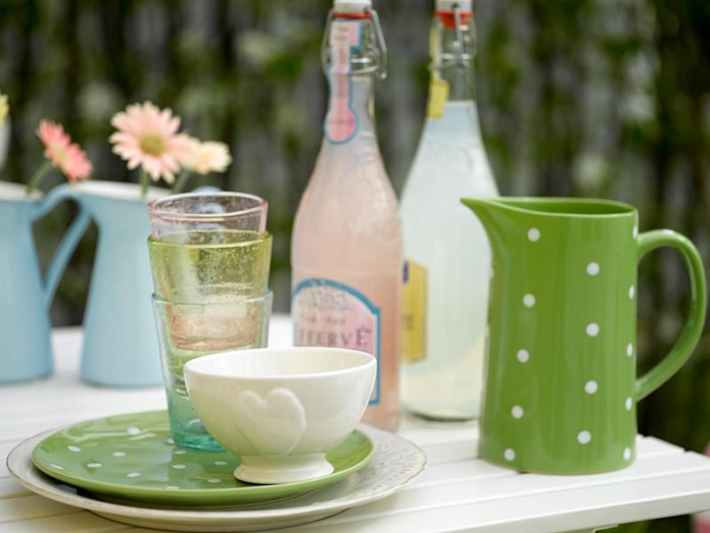 INTERIØRTIPS - BORDDEKKING: Fire fargerike og fine festbord