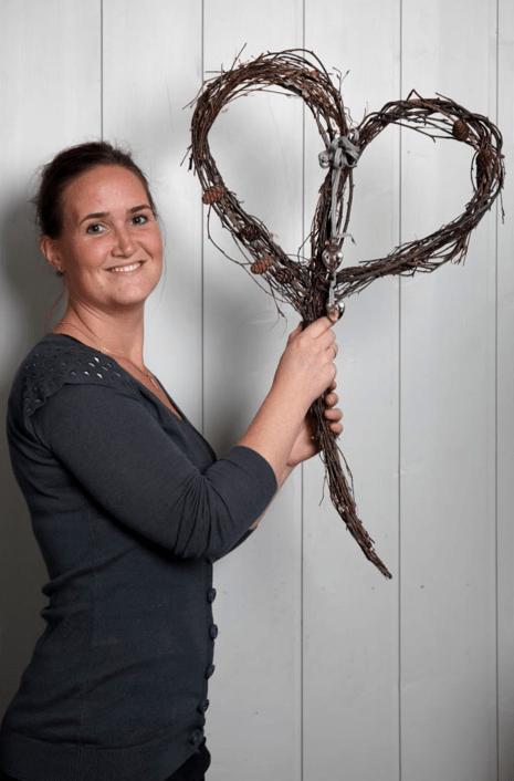 Marianne de Bourg - Ingeniørfruen redder verden med kranser