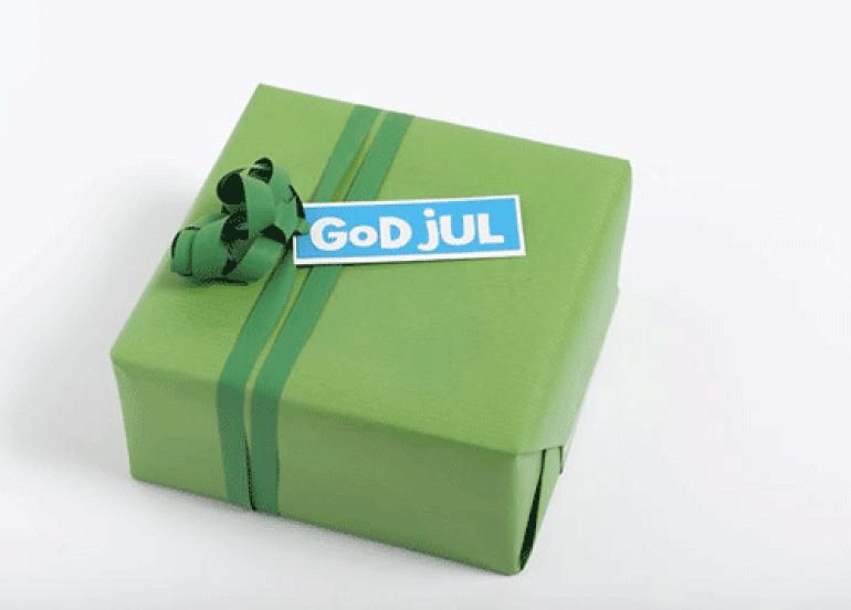Ingeniørfruens enkle og fargerike gaveinnpakking i grønt