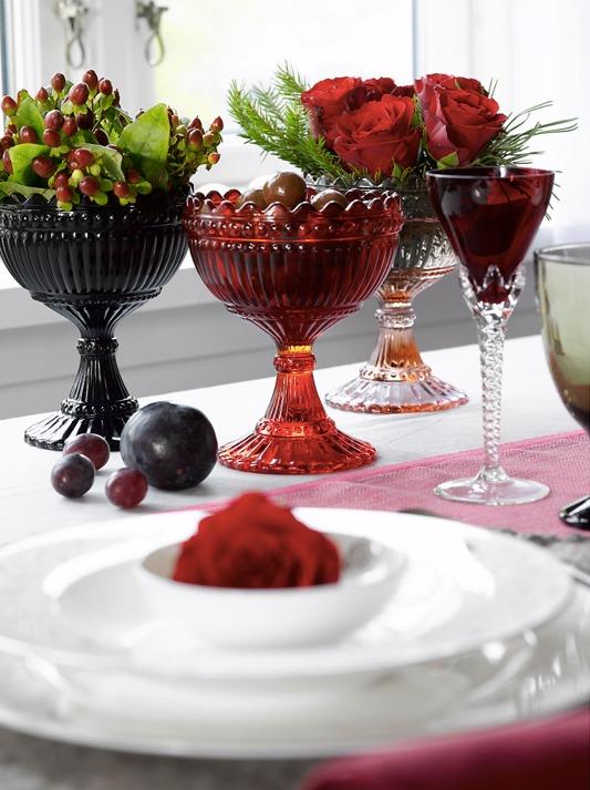 Mariskåler på ingeniørfruens vinrøde festbord