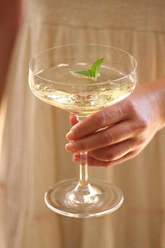 Oppskrift-på-Sparkling-Elderflower-cocktail