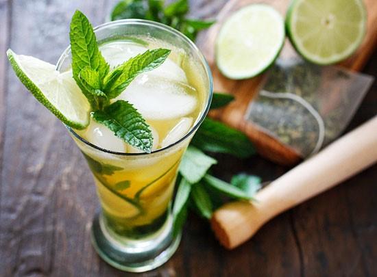 HAPPY HOUR Oppskrift på Mojito med grønn te