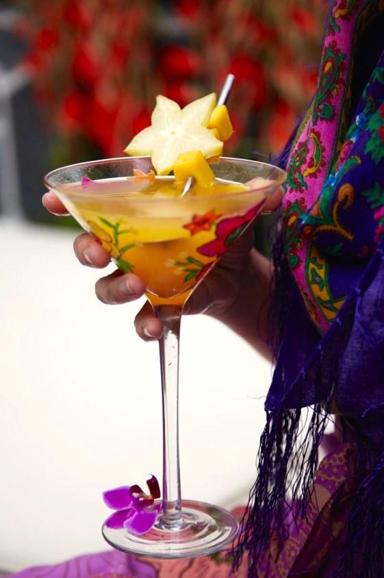 01 SOMMERDRINKER på idemagasinet.no - oppskrift på festlig cocktail med eksotiske frukter