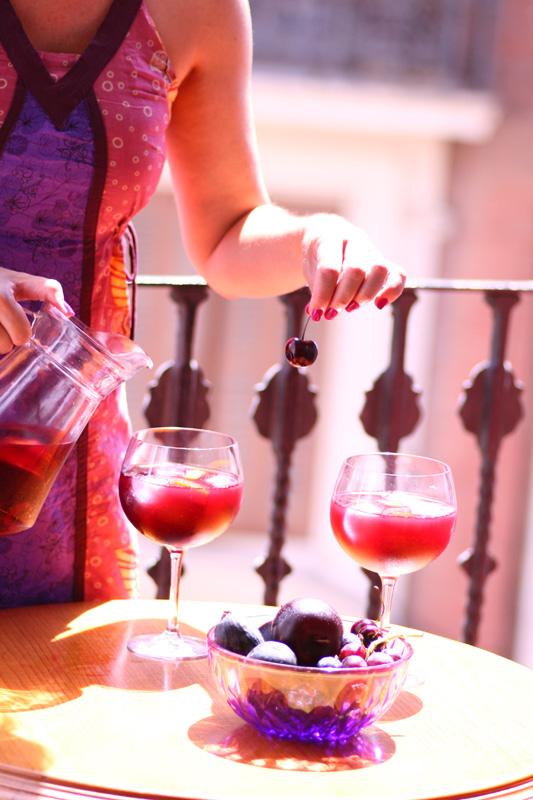 03 SOMMERDRINKER hos idemagasinet.no - Oppskrift på Sangria med Martini