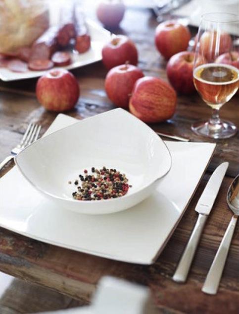 BORDDEKKING - Dekk bordetenkelt og effektfullt til eplekjekk fest ©FOTO Tilbords