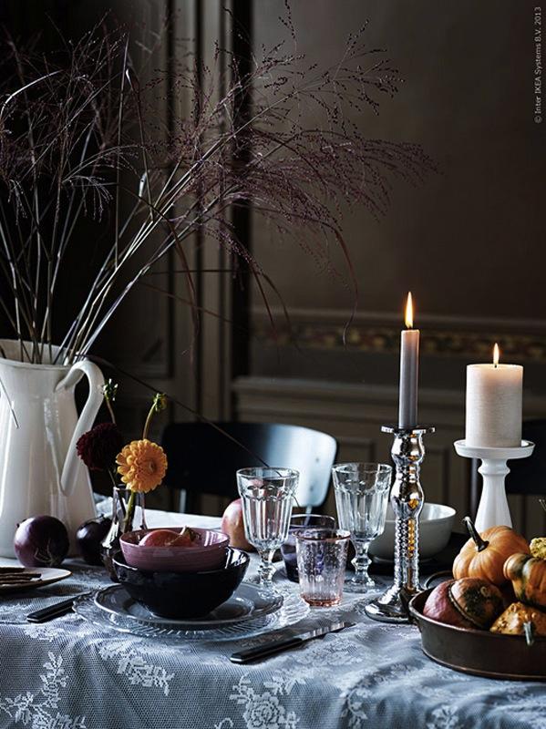 BORDDEKKING Høstbordi klassisk sort og hvitt med høstfarger ©FOTO:: Nina Broberg / IKEA livet hemma
